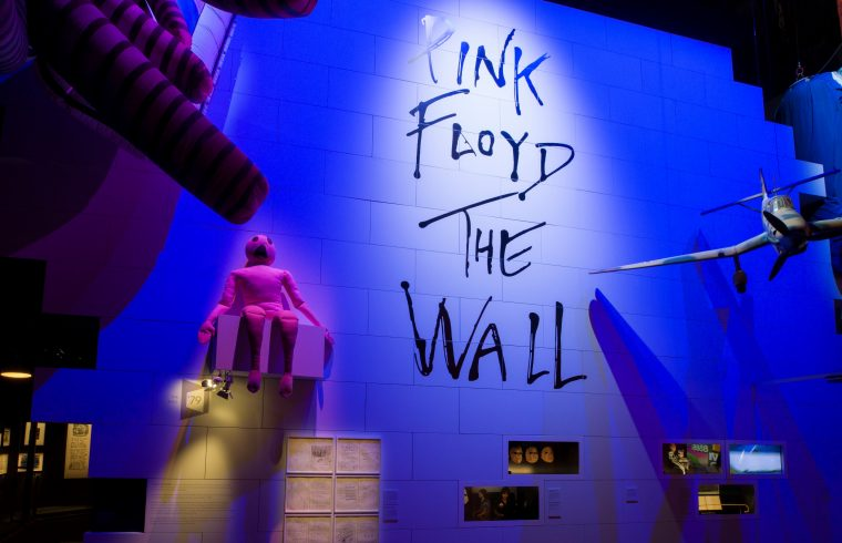 London Press Photo - Exhibition motive - ∏ Pink Floyd Music Ltd Courtesy of Pink Floyd 'Their Mortal Remains' 002 nota